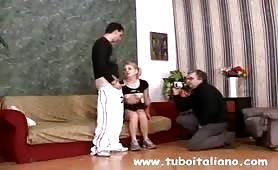 Orgia incestuosa con il fidanzato e il babbo