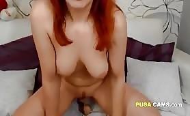 Diciottenne troietta capelli rossi ditalino in cam