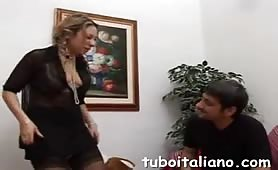 Veronica Belli - Pompini  e leccata di fregna con il padre