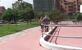 Jessica Ross, giovane albanese in lingerie succhia la verga dura di Remigio