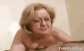 La signora Watson in topless