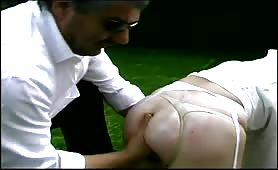 Fisting anale per ninfomane in lingerie