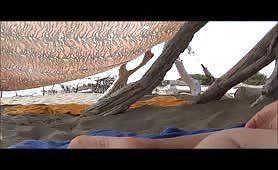 Con la sabbia nella fica