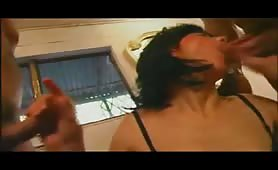 Myriam Gold gode in orgia porno incestuosa