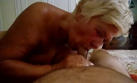 Stella, casalinga matura da Rieti fa un bel pompino amatoriale