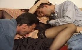 Pamela bocchi orgia estiva sul divano