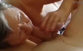 Nonna Cecilia spompa il cazzo