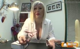Porno ospedale - La dottoressa matura ama il cazzo