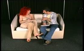 Audizione porno con rossa tettona