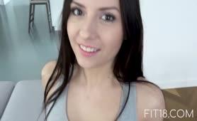 Audizione porno con la sexy Rebecca Volpetti da Pordenone