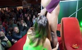 Veronica fa furore sul palco a Barcellona
