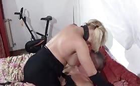 Viky Moore e la cavalcata col marito arrapato
