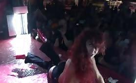Dana Santo orgia in spettacolo dal vivo