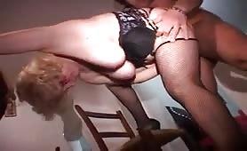 Incesto - orgia con il figlio trav e la mamma puttana