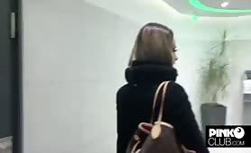 Martina smeraldi rimorchiata e scapata da mazza negra