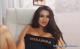 Hot Big Tits Babe gioca la sua figa