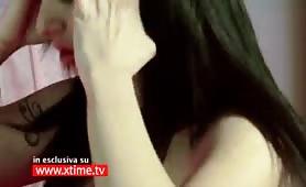Lesbo scena tra Sara Tommasi con Asia Morante