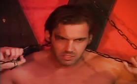 Valentine Demy, pornostar pisana inculata in orgia porno bondage