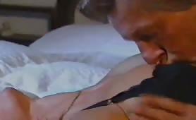 Erika Bella inculata dal cognato in porno classico italiano