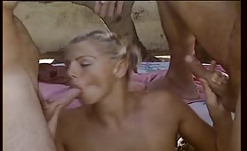 Renata Rey - Orgia sensuale in piscina