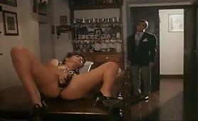 Pussycat inculata in porno classico italiano